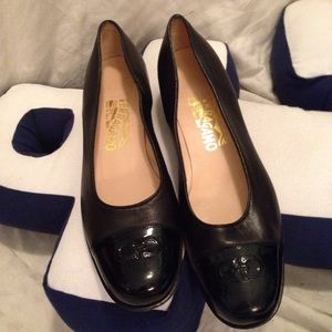 Salvatore Ferragamo leather black flats shoes 9 AA
